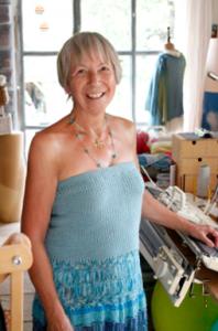 Bild von Silvia Spring in ihrem Atelier